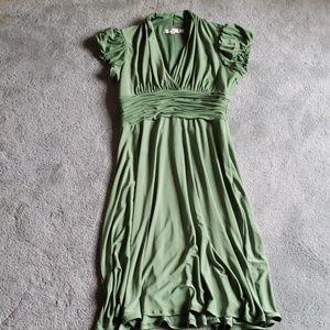 EUC Evan Picone Sz 8 sage green dress